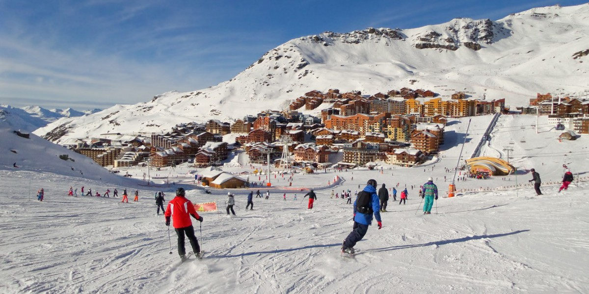 Skiers in Val Thorens